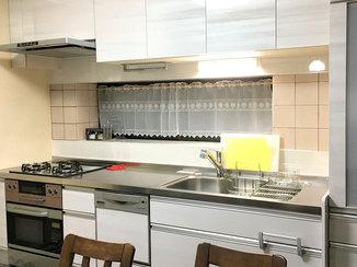 キッチンリフォーム お気に入りのタイルとパントリーを活かしたキッチンリフォーム