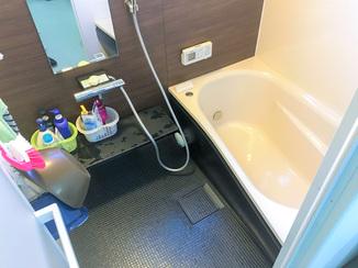 バスルームリフォーム 浴室と洗面の比率を変えスマートな水廻りに